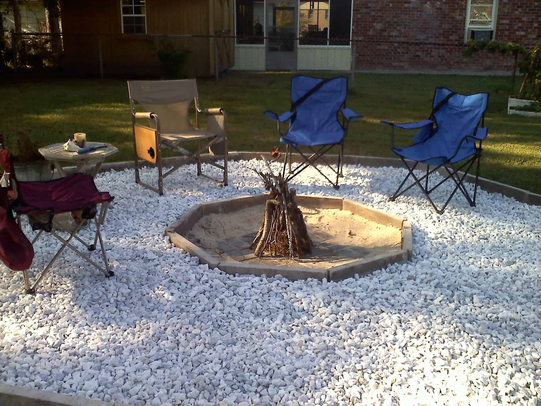 geometric fire pit Fire pit ideas for a fun, chill summer