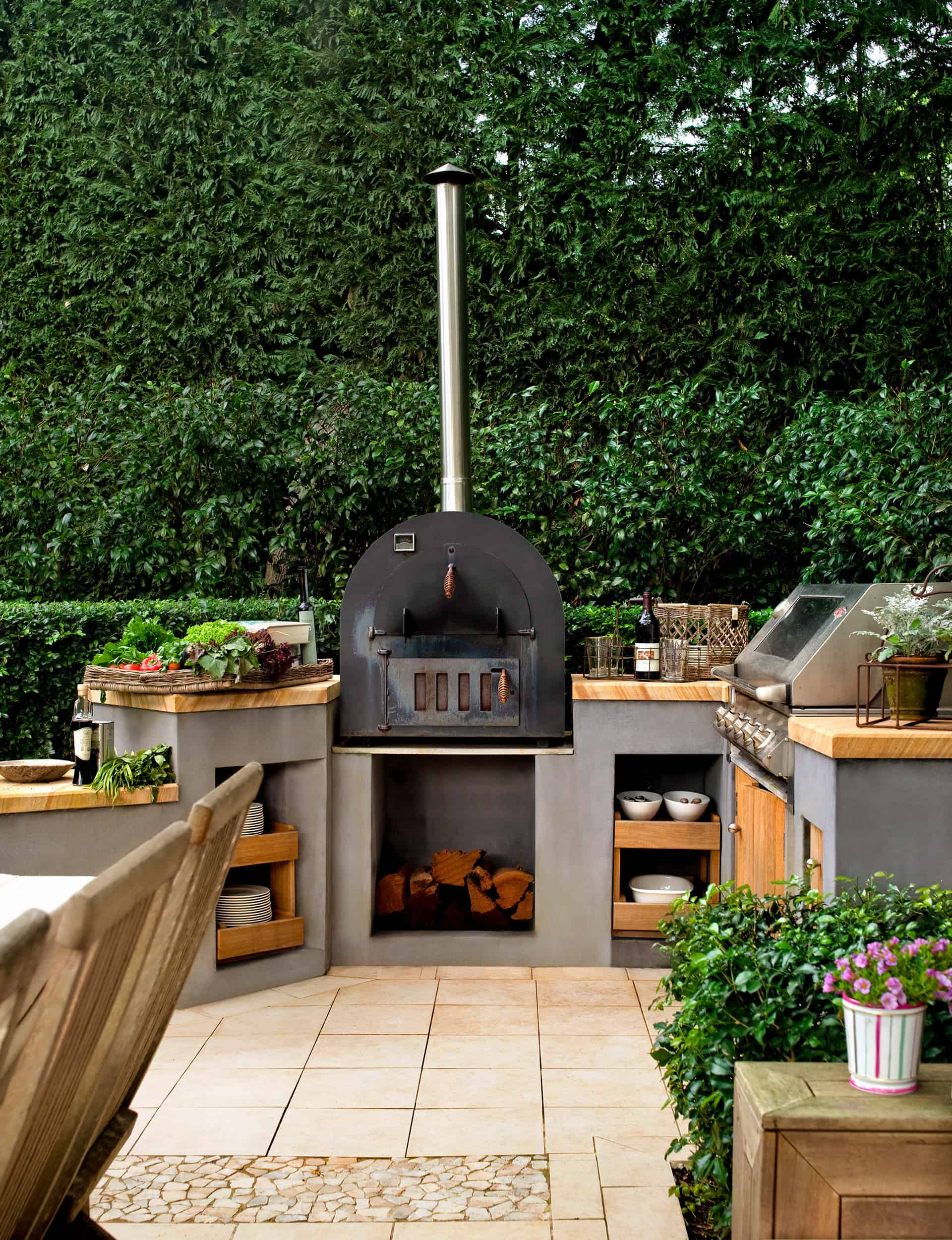 outdoor pizza oven Mesmerizing outdoor kitchen ideas to Inspire your next big renovation