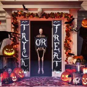 Halloween front porch décor that will make your neighbors jealous
