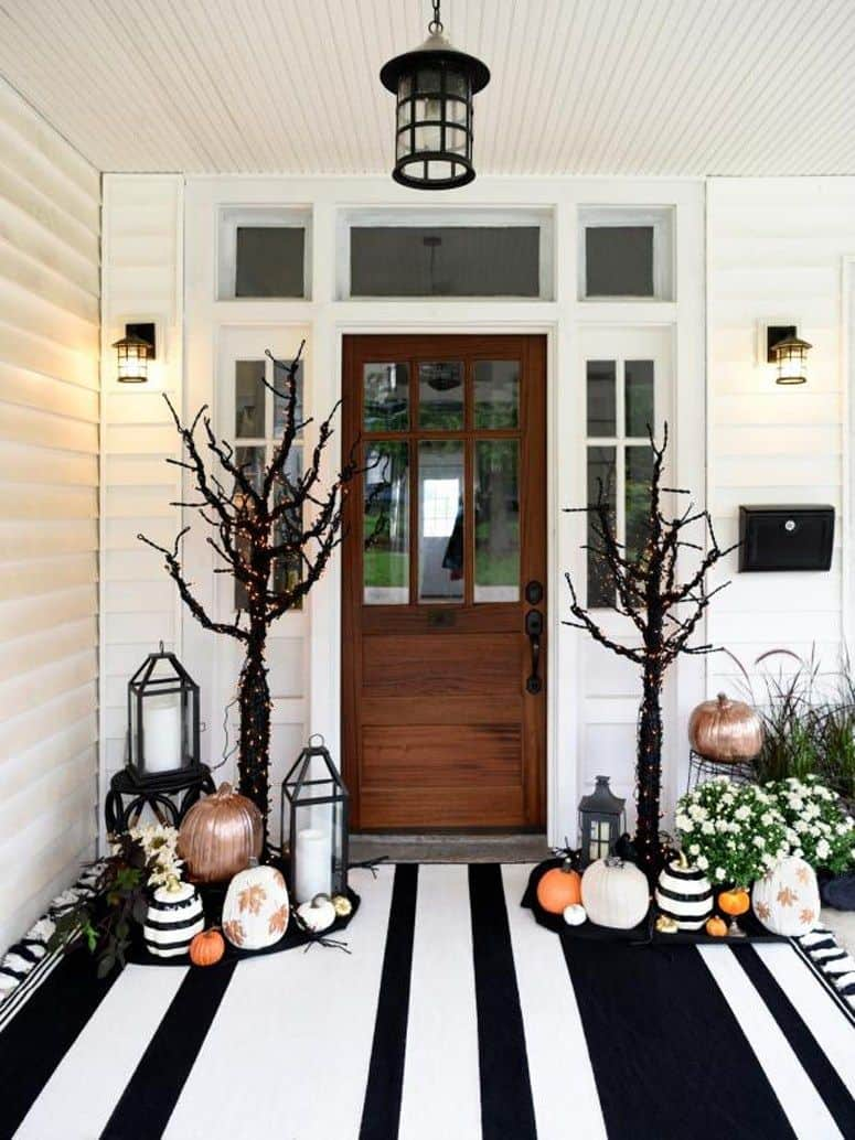 tree halloween Halloween front porch décor that will make your neighbors jealous