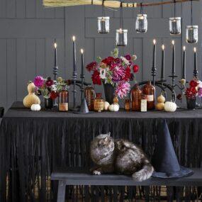 Last minute Halloween dining table décor