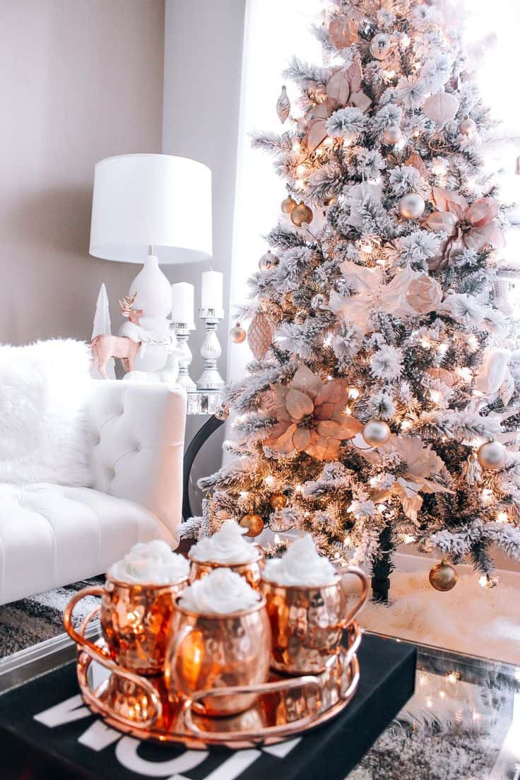 rose gold christmas 2 Deck Your Home with These Creative Christmas Décor