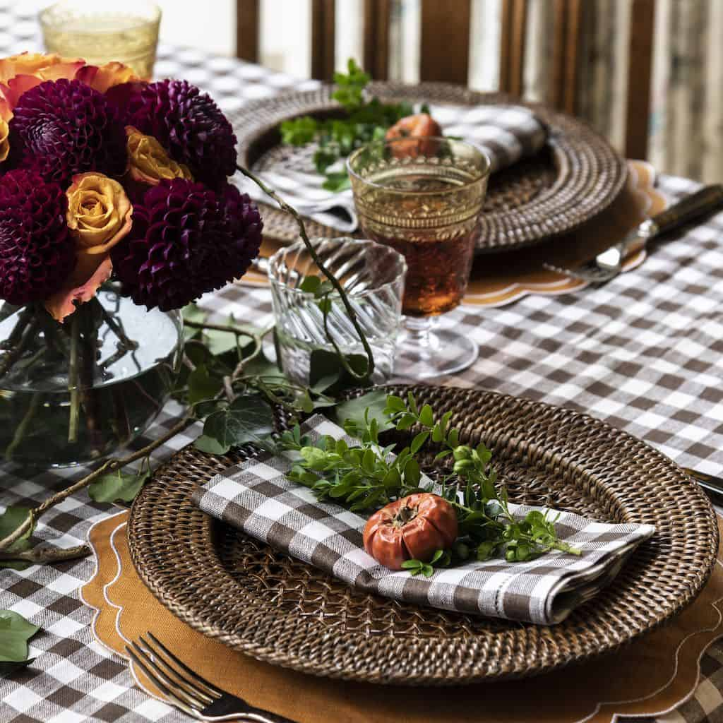 subtle thanksgiving 10 Quarantine Thanksgiving Dining Table Ideas
