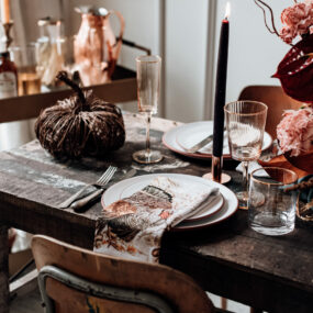 10 Quarantine Thanksgiving Dining Table Ideas
