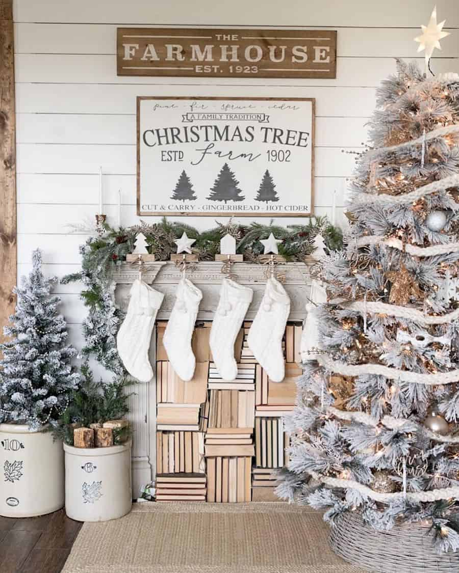 farmhouse christmas How To Decorate The Fireplace Mantel For Christmas