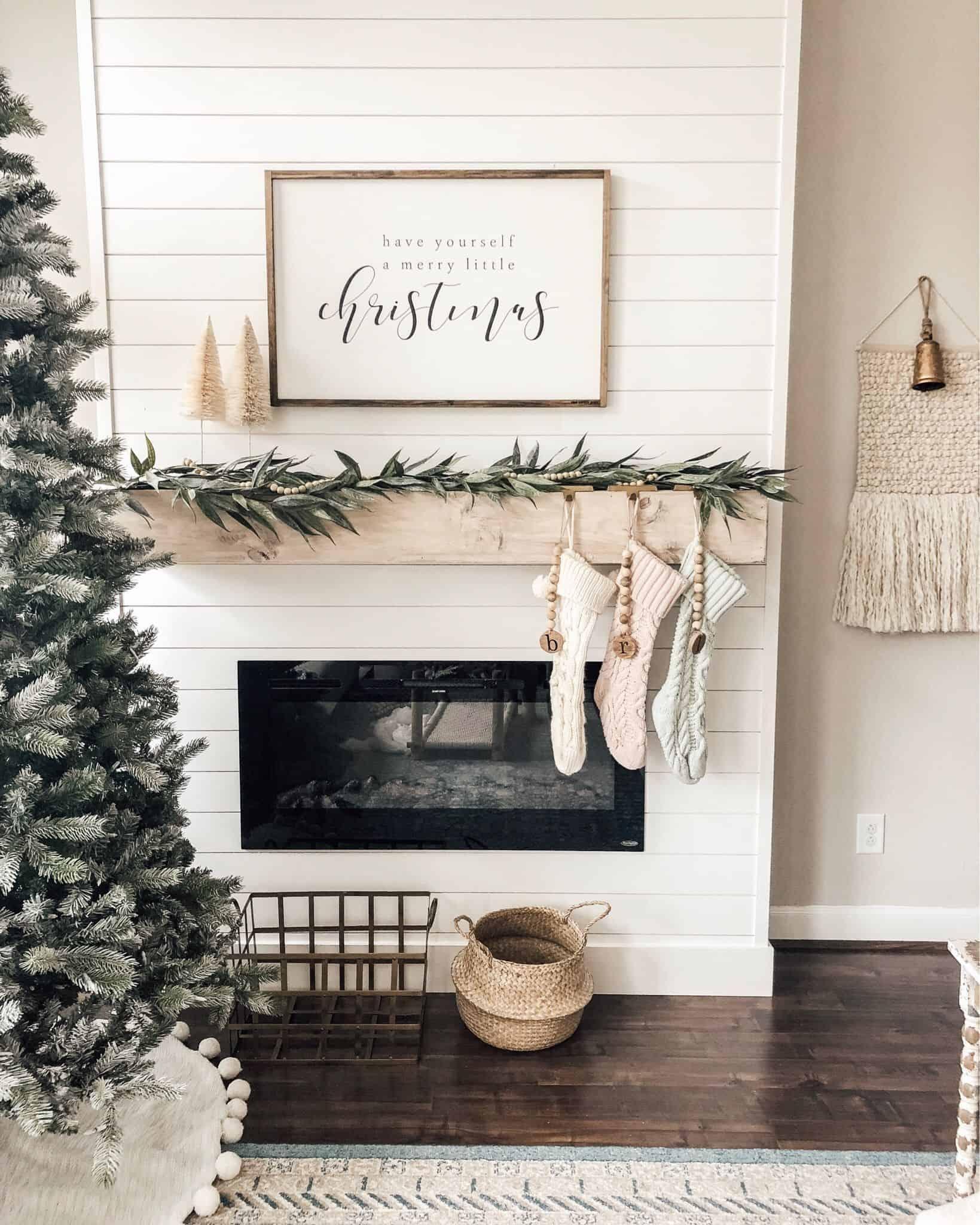 minimal christmas mantel