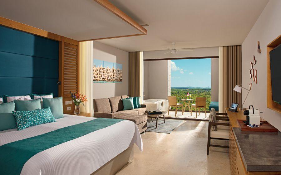 resort 900x561 10 Modern Bedroom Ideas For Couples