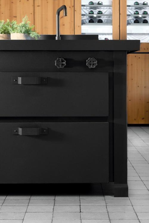 minimalist-traditional-classic-kitchen-minacciolo-mina-4.jpg
