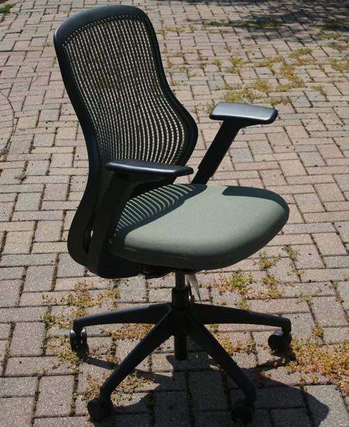 knoll-regeneration-chair-2.jpg