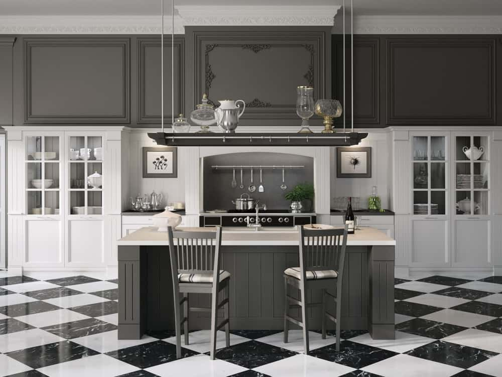 Country Chic: English Mood Kitchen by Minacciolo
