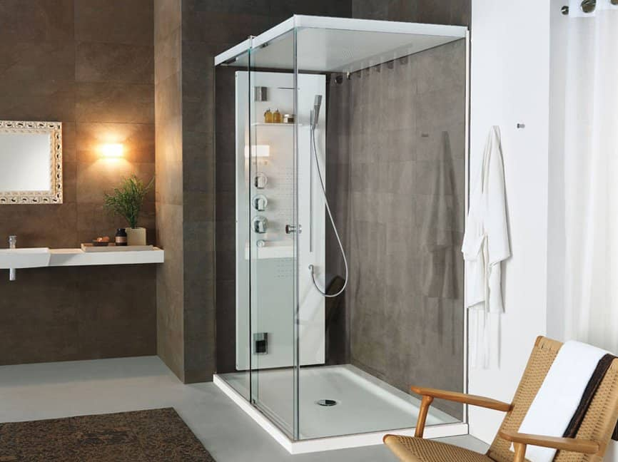 Light by tueco is a completely enclosed shower stall for Cabinas de ducha