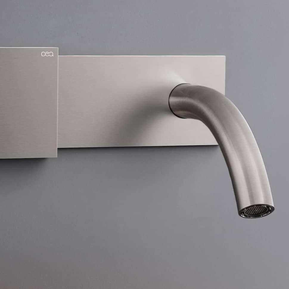 CEA Regolo Bathroom Faucet Debuts Sliding Temperature Control