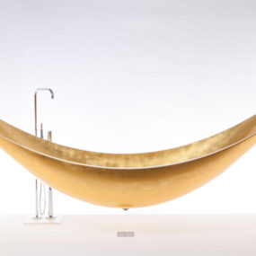 Suspended Hammock Bathtub by SplinterWorks – Gold Vessel