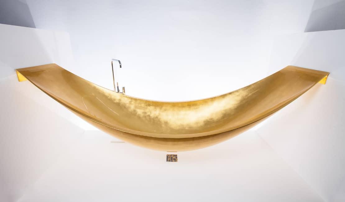 Suspended hammock bathtub by splinterworks gold vessel for Splinter works hammock bathtub