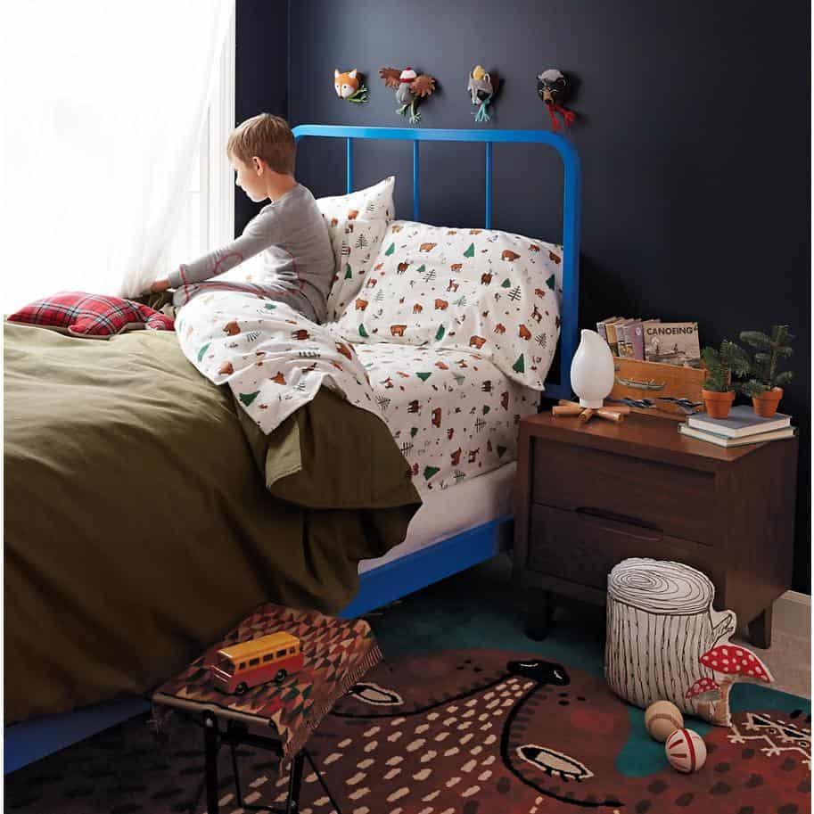 View In Gallery Campfire Nightlight 2 Thumb 630xauto 51390 Campsite  Nightlight Brings Bonfire To Kids Room