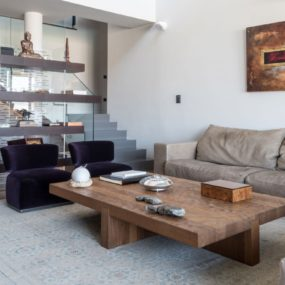 15 Large Coffee Tables For Your XL Living Room
