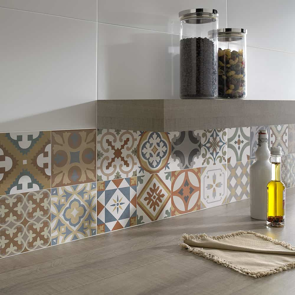 Top 15 patchwork tile backsplash designs for kitchen for Faience cuisine style retro