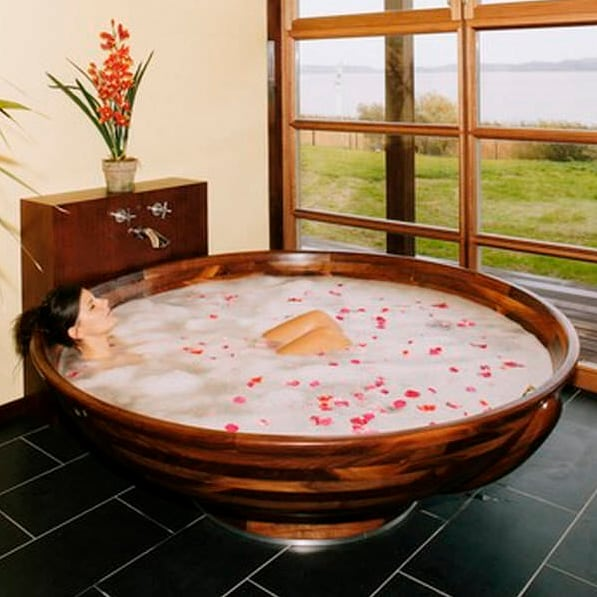 large-round-wood-bathtub-ws-bath-collections.jpg