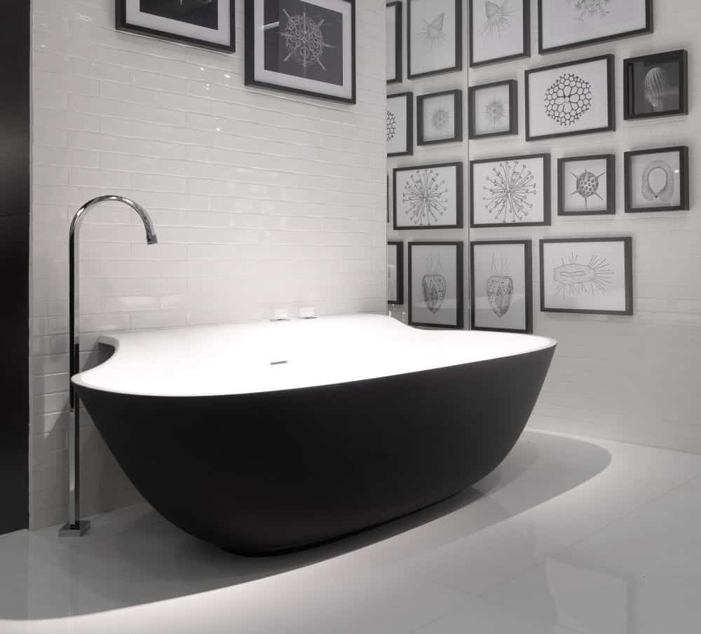 Black bathtubs for modern bathroom ideas with freestanding for Restroom tub