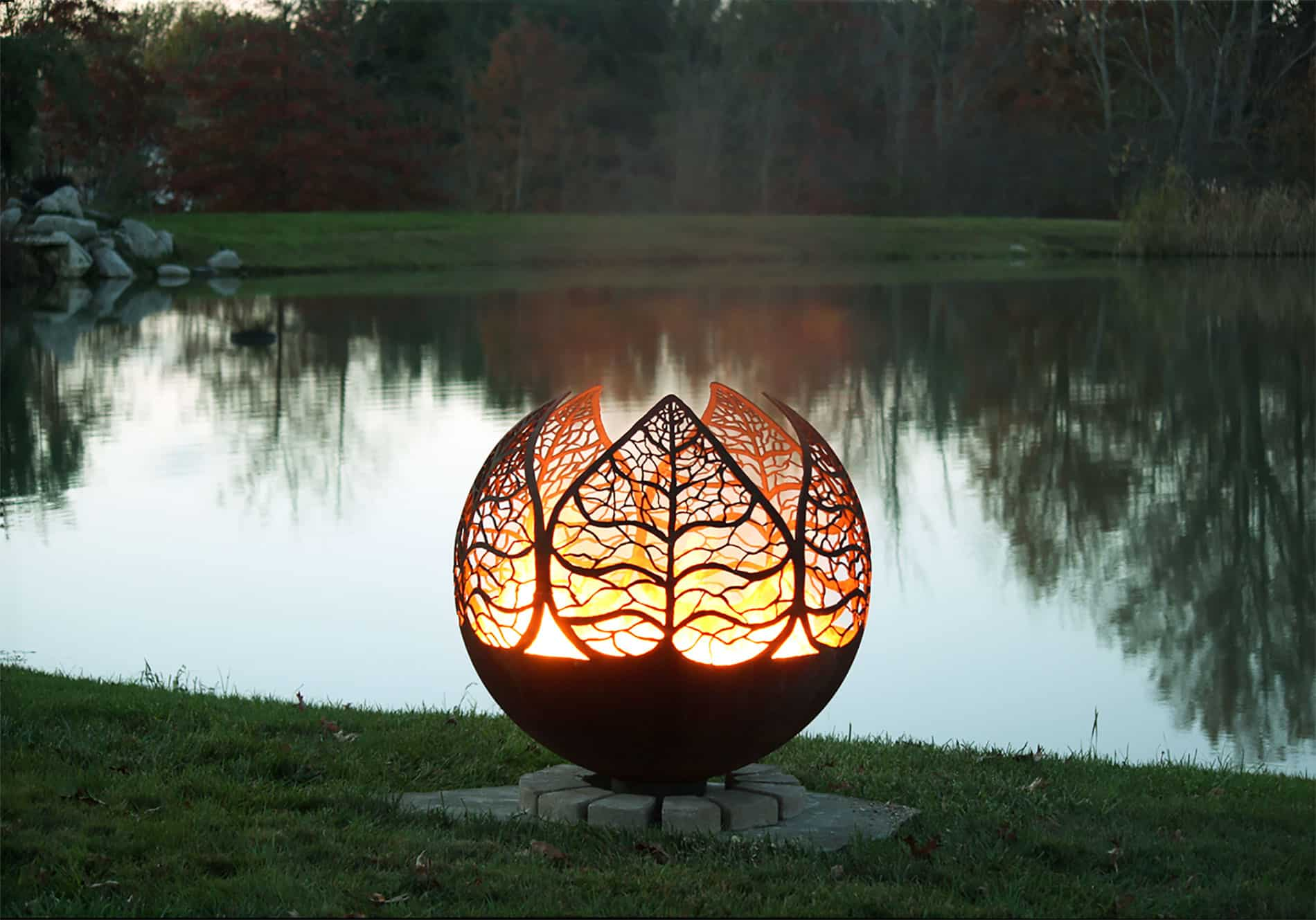 35 Metal Fire Pit Designs and Outdoor Setting Ideas on Fire Pit Design  id=35773