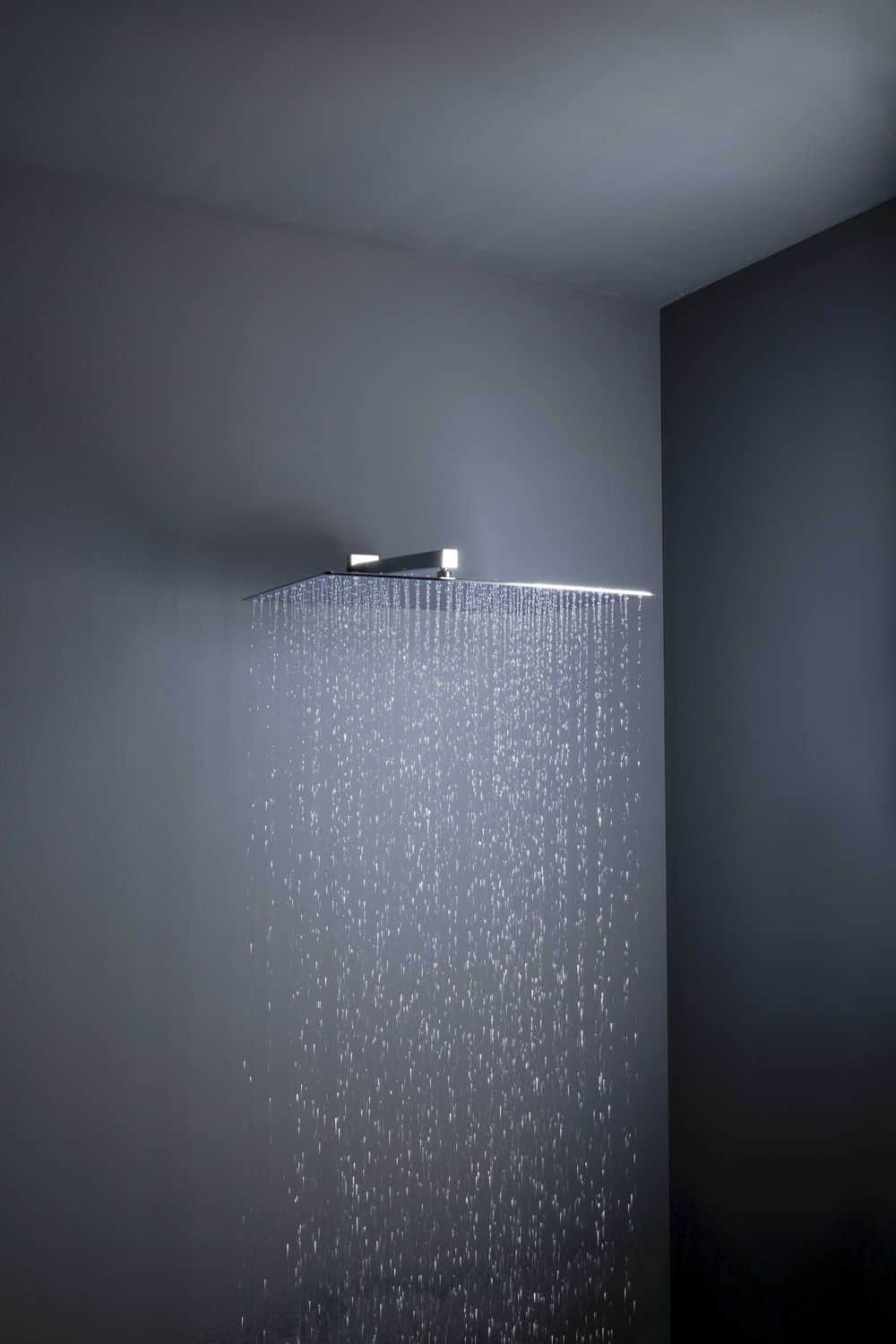 These Extra Large Showerheads Come In Square Or Round Shapes And Create A  Comfort Rain Effect.
