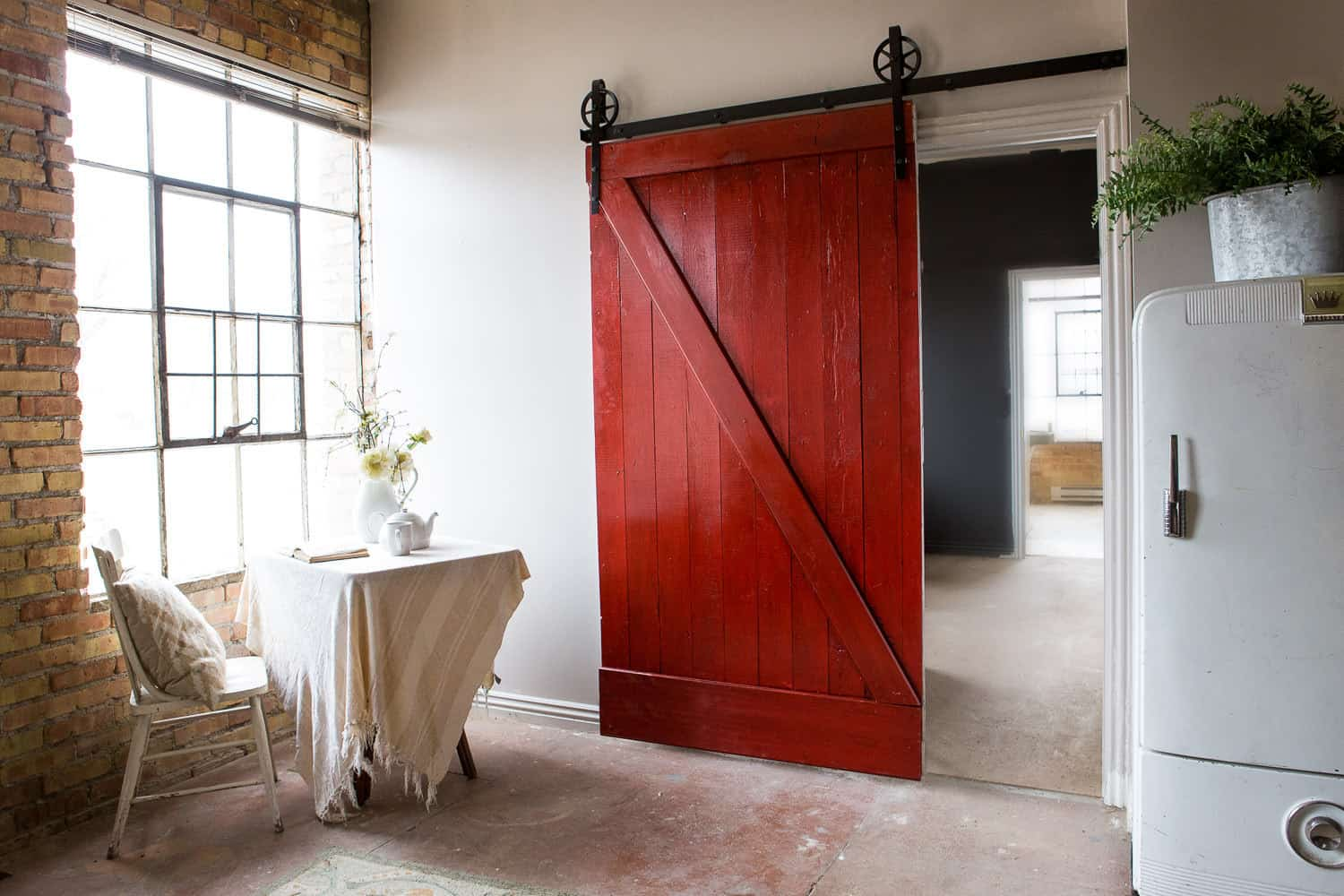 Architectural accents sliding barn doors for the home - Como hacer una puerta rustica ...