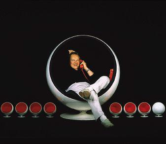 aarnio eero in ball chair Hanging Bubble Chair by Aarnio Eero   1968 design of the future