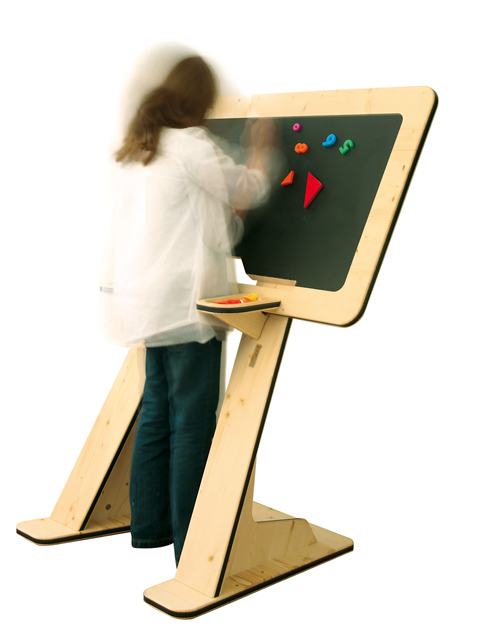 adjustable childrens desk guillaume bouvet 2 Adjustable Childrens Desk by Guillaume Bouvet