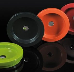 Colorful Decorative Wash Basins from Area Ceramica – new Expression series