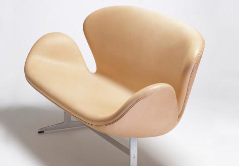 arne-jacobsen-swan-sofa-2.jpg