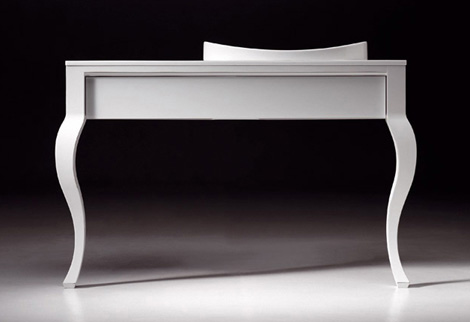 Artelinea Metafora vanity in white with a sliding drawer