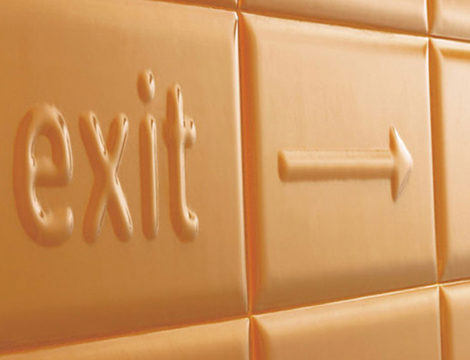 Ascot Tiles Pun - exit arrow