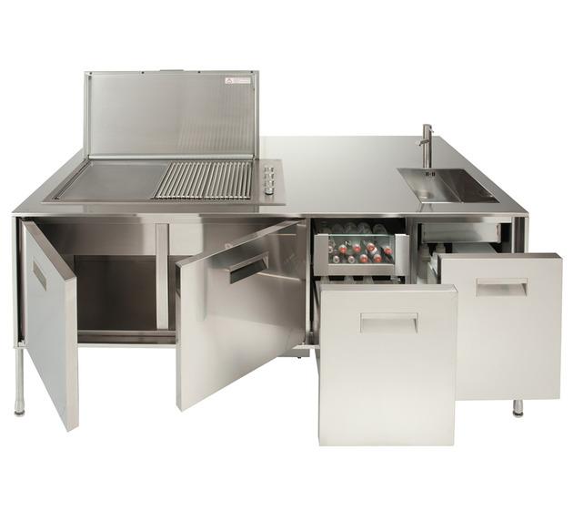compact outdoor kitchen island artusi arclinea 2 thumb 630x561 9839 Compact Outdoor Kitchen Island: Artusi from Arclinea