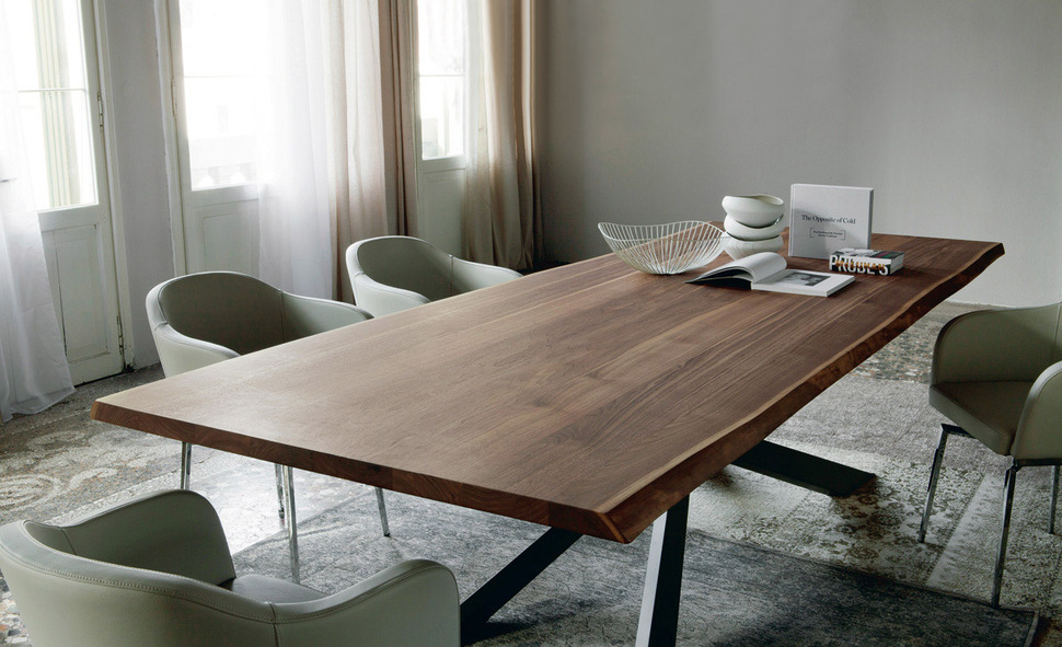 dining table with irregular solid wood edges by cattelan italia. Black Bedroom Furniture Sets. Home Design Ideas