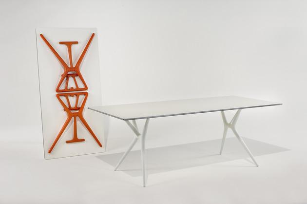 folding-trestle-desk-spoon-kartell-4.jpg