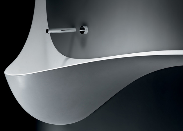 iconic-wing-washbasin-design-by-falper-3.jpg