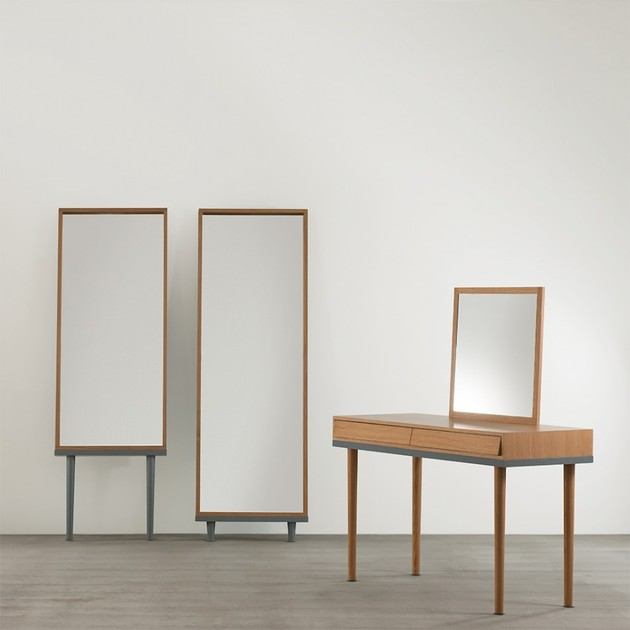 modern-floor-standing-mirrors-on-legs-in-oak-4.jpg
