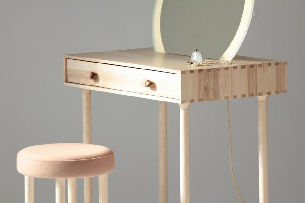 dressing table lighting. View In Gallery Avignon-dressing-table-set-with-lighting-by-codolagni- Dressing Table Lighting