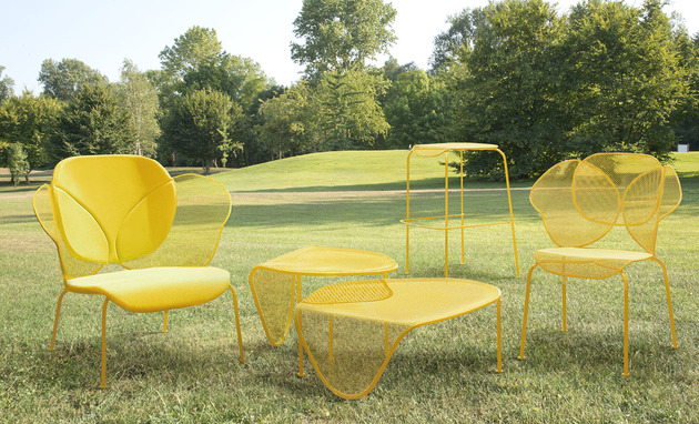 organic shaped sunny colored outdoor furniture by aredeclic 2 thumb 630x382 20971 Organic Shaped, Sunny Colored Outdoor Furniture by Areadeclic