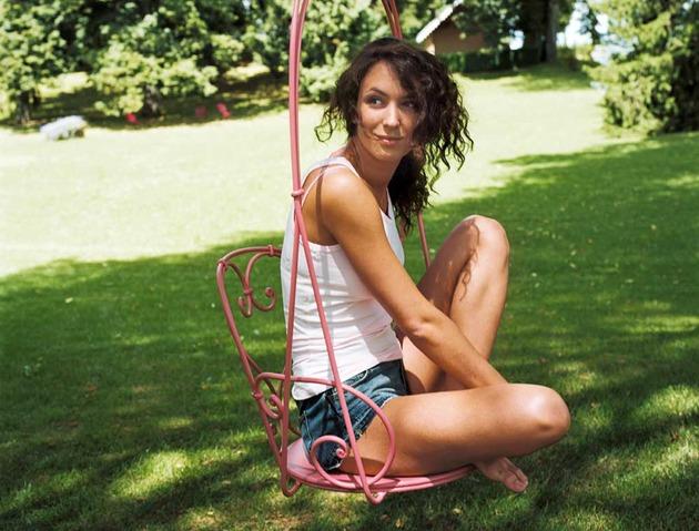 steel-hanging-armchair-by-fermob-3.jpg