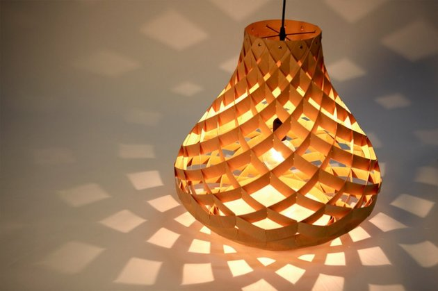 woven bamboo veneer pendant lighting by edward linacre 1 thumb 630x419 19760 Woven Bamboo Veneer Pendant Lighting by Edward Linacre