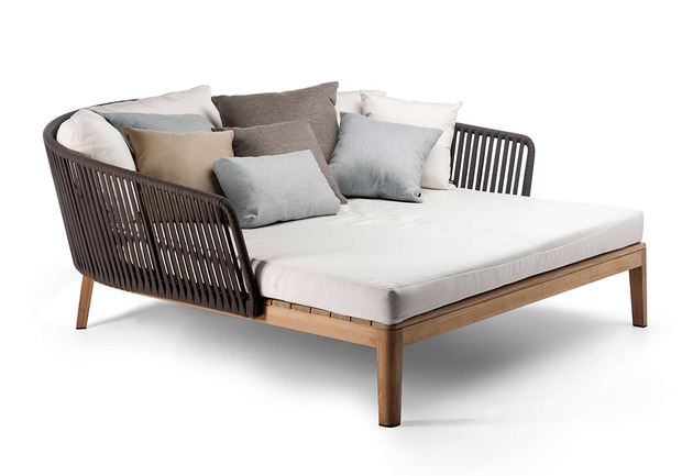 yarn and teak daybed mood from tribu 1 thumb 630x433 21447 Yarn and Teak Daybed Mood from Tribu