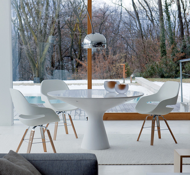 elegant white pedestal table blanco by zanotta 1 thumb 630x579 22900 Elegant White Pedestal Table: Blanco by Zanotta