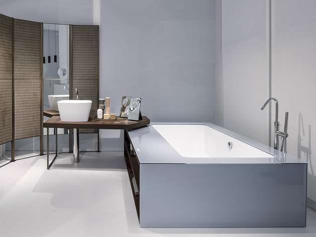 ergonomic-bathroom-system-from-makro-integrates-bathtub-shower-sink-mirror-and-cabinets-7.jpg