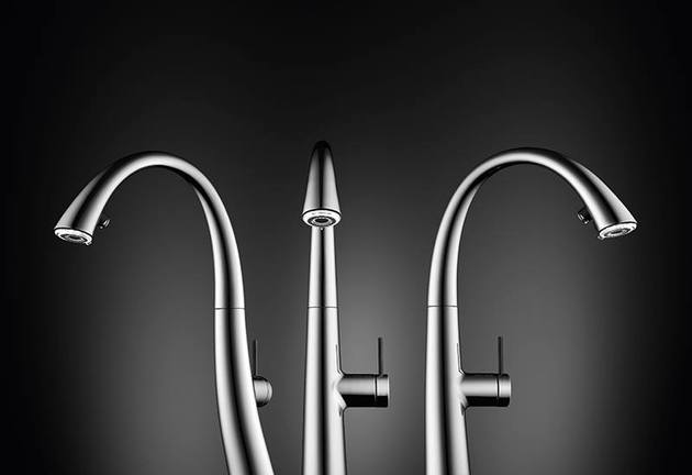 kwc-zoe-a-beautiful-kitchen-faucet-with-light-10.jpg