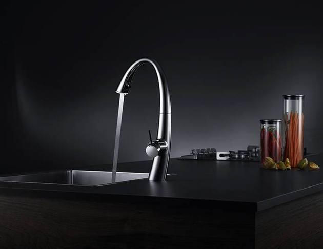 kwc zoe a beautiful kitchen faucet with light 2 thumb 630x486 23364 KWC ZOE: A Beautiful Kitchen Faucet with Light
