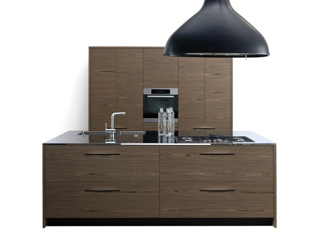 made in wood kitchen pampa by schiffini handles replaced by slits 2 thumb 630x472 25319 Made in Wood Kitchen Pampa by Schiffini: Handles Replaced by Slits