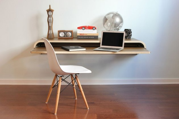minimal-float-wall-desk-from-orange-22-4.jpg