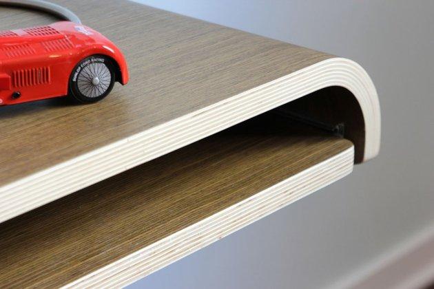 minimal-float-wall-desk-from-orange-22-8.jpg