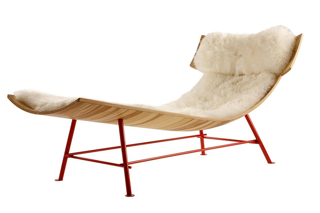 molded-wood-chaise-longue-by-lop-3.JPG